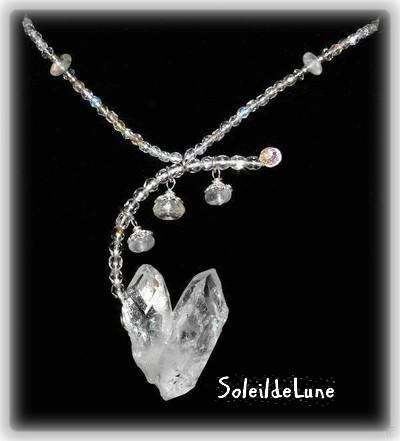 Quartz cristal et pierres de lune sur argent